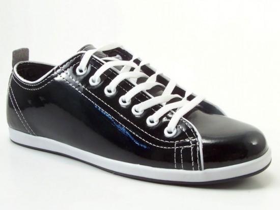 Rugan ayakkabı